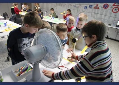 Ziemas brīvlaika aktivitātes bērniem veiksmīgi aizvadītas